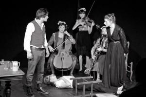 avec de g. à dr. Sebastien Lelaire, Pénélope Avril, Marie Bénédicte Rolland, Anna Agostini, Claire Voisin et Sarah Klein